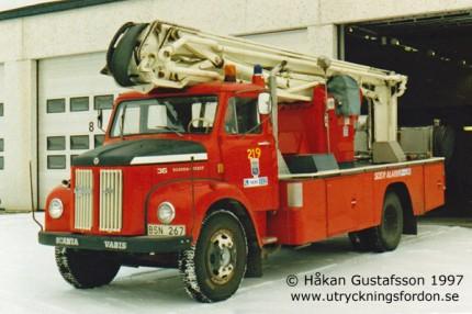 Scania-Vabis L 36 med hävare Nummela (16 m)