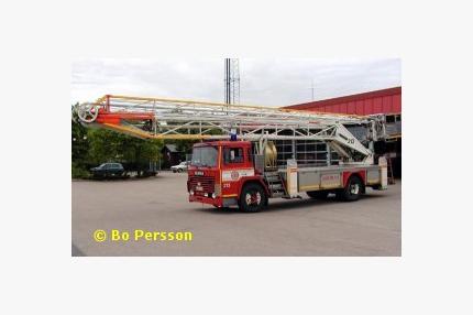 Scania LB 86 med hävare Hi-Ranger (25 m)