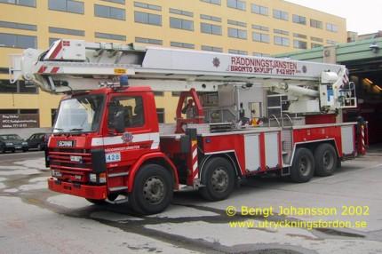 Scania P 113 HL 340 med Bronto Skylift F42 HDT 2000 (42 m)