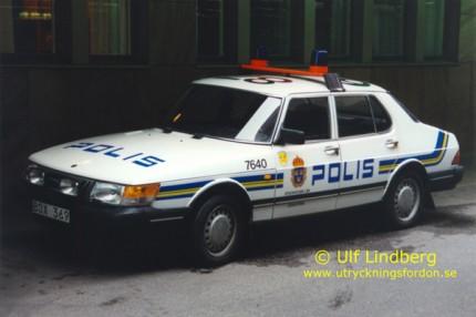 Saab 900 i