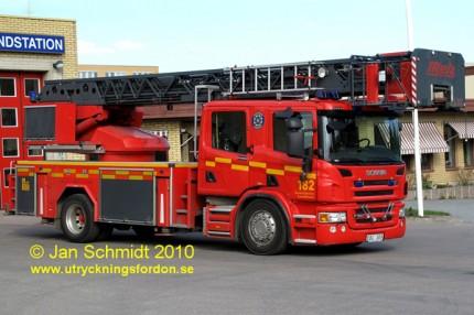 Scania P 380 / Metz