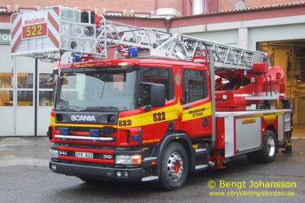 Scania P 94 GB / Magirus